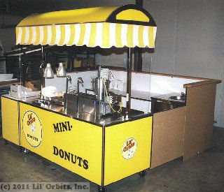 Kiosk Package featuring FSC-Series Vendor Cart, SS1200 Mini Donut Machine, SM200 Hand Wash Sink, CE100 Companion Cart, SS2403 Cabinet and Kiosk surround wall